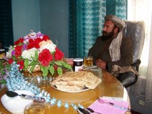 Empfang bei Gouverneur Scher Muhammad. Foto: Thomas Ruttig (Feb. 2005).